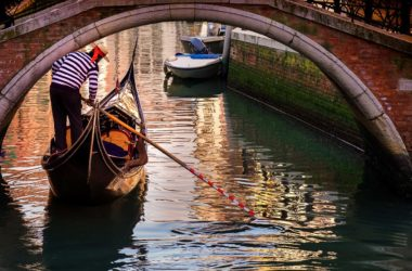 The best gondola ride in Venice:  discover the Grand Canal from the water
