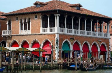 The history of the Rialto fish market in Venice